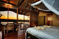 Romance in Botswana - Customized Safaris in Botswana - www.photo-safaris.com
